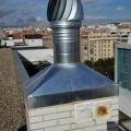 montaje chimenea y extractor eólico